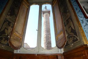 Veduta da Palazzo Ferrajoli su Piazza Colonna